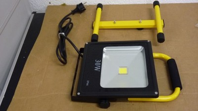 78B2 CHILITEC LAMPA HALOGENOWA LED IP66 IP44 30W
